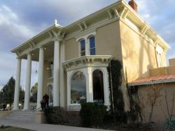 Luna Mansion