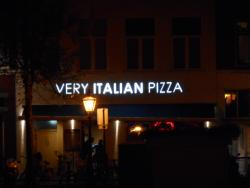 ‪Very Italian Pizza‬