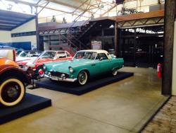 Museo del Automovil vina Santa Cruz