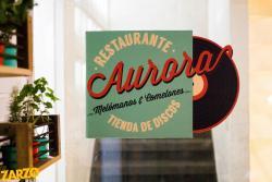 Aurora Restaurante y Tienda de Discos