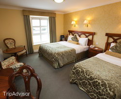 The Standard Triple Room at the Dromhall Hotel