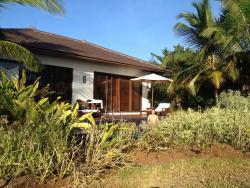 Villa vom Garten aus