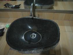 Lavabo con la marca del agua atascada