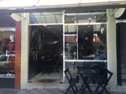 Robert Cafe