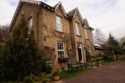 Lumleys Guest House