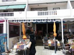 Bar Cafetería Pizzeria Rompeolas
