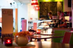 CUBE cafe bar at Déda