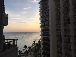 Vue partielle sur la mer et vue totale sur les chambres d'en face