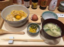 Uchi no Tamago Chokubaijo, Akasaka Umaya