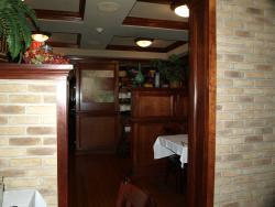 Garrison's Tavern & Wine Cellar