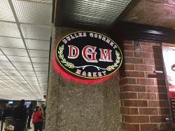 Dulles Gourmet Market