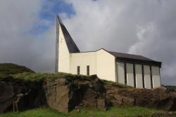 Hoyvikar Kirkja