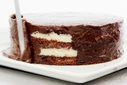 Preparando o bolo prestígio