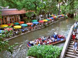 San Antonio River Walk (128505323)