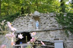 ‪National Shrine Grotto of Lourdes‬