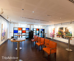 Z Gallery at the Four Points by Sheraton Sheikh Zayed Road Dubai