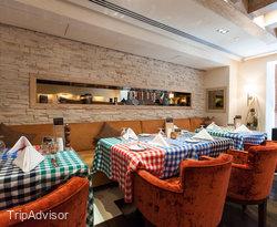 Luigi's Italian Restaurant at the Four Points by Sheraton Sheikh Zayed Road Dubai