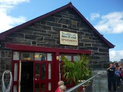 ‪Spooner's Bar, Harbour Station, Porthmadog‬