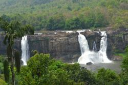 ‪Athirappilly Waterfalls‬