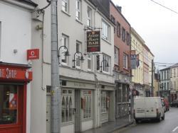 Annie Mays Bar & resturant