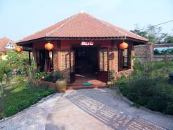 Peaceful Bamboo Family Tea House