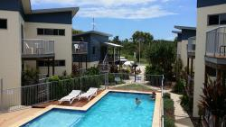 Emus Beach Resort