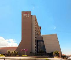 Crowne Plaza Hotel Corobici