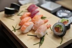 Manzoku sushi