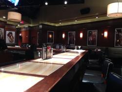 Bar Louie at Mohegan Sun