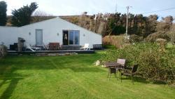 Views of garden cottage