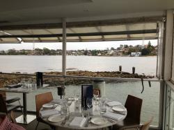 Vela Dining & Bar