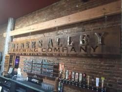 ‪Miner's Alley Brewing Company‬