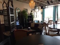 Hidden Pearl Cafe