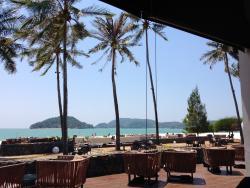 Prachtig resort aan een spierwit strand !