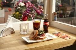 Bagels Sandwich Village