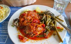 Mini meatloafs and Greek green beans