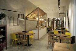 M2C Bistro & Cafe