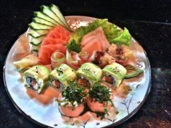 NaCanoa Sushi