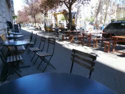 Berta Bar & Café