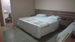 Foto do quarto de casal que ficamos, se tiver algo fora do lugar, foi porque nós já estávamos us