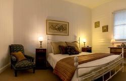 Charlton House Bed & Breakfast