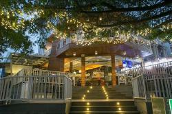 Ikana Ikana Seafood Cafe & Restaurant