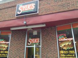 Sam Sylk's Chicken and Fish