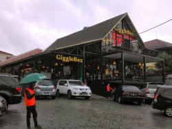 Giggel Box Cafe & Resto