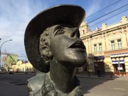 旅行者雕像