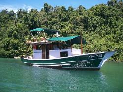 Barco Latitude