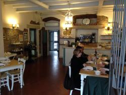 Dall'Ivonne Caffe Con Cucina