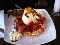 D Spot - Dessert Cafe & Bistro