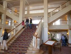 le superbe escalier du hall