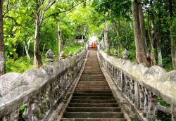 Phnom Srey and Phnom Pros